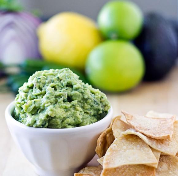 Chipotle Guacamole {Copycat Recipe}   Culinary Hill
