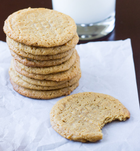 These Flourless Peanut Butter Cookies have no flour but all of the best flavors that make up a peanut butter cookie!