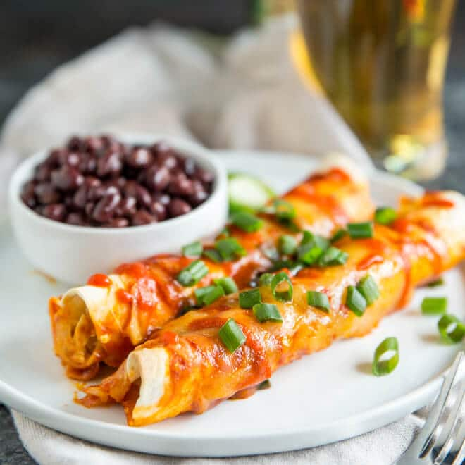 Learn the secret to making enchiladas with flour tortillas, then stuff them with a creamy chicken filling and Sriracha-infused Gouda!