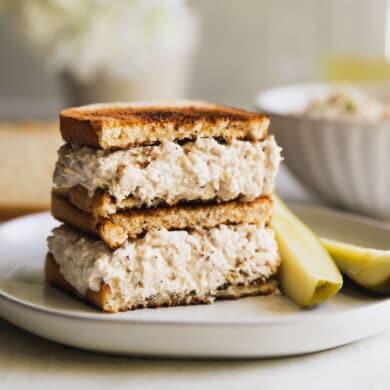 A tuna salad sandwich on toast.