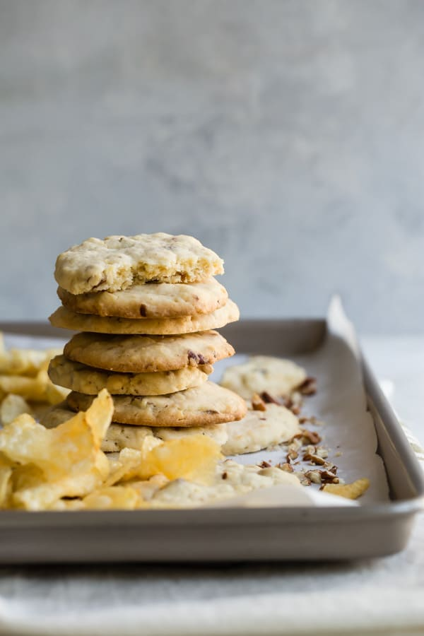 Sometimes, the most unlikely combinations turn out to be completely, mind-blowingly delicious. Take this recipe for Potato Chip Cookies, for example. It's quite possibly the perfect combo of sweet/salty, tender/crunchy; in other words, the perfect cookie.