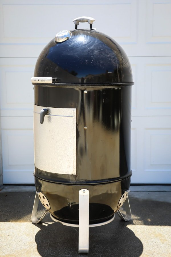 Ready to take your summer grilling game to the next level? Learning how to use a charcoal smoker is an adventurous next step, and happens to be the key to amazing ribs, succulent brisket, and smoky slow-roasted turkey and chicken. If you've got a charcoal smoker in the garage, dust it off and let's get smoking!