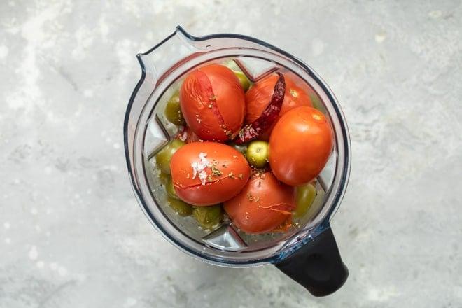 Salsa de Birria ingredients in a blender.