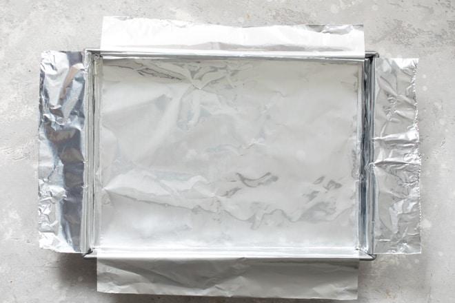 A foil sling (foil lining a baking pan).