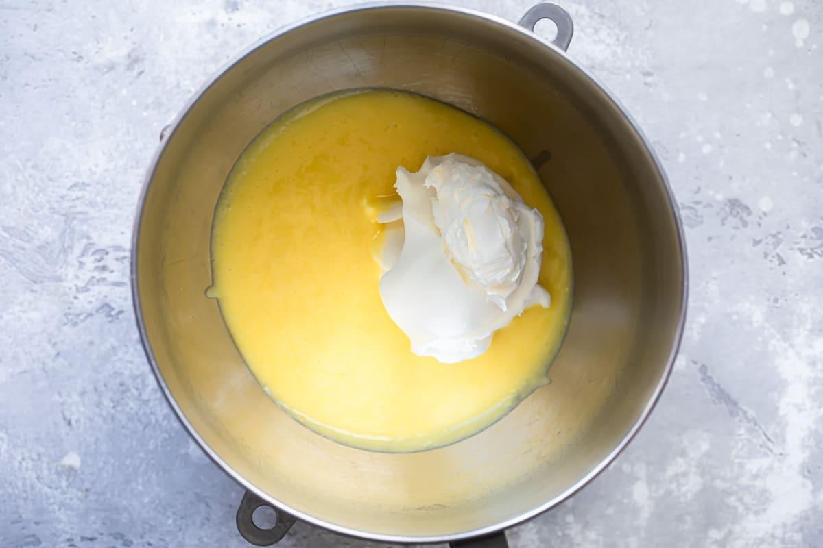Tiramisu custard mixed with whipped cream.