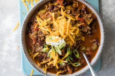 A bowl of beef chili.